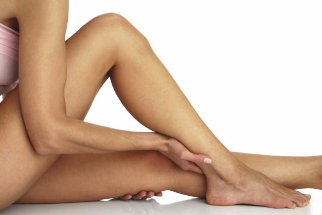a lábak visszértágulatával lehetséges-e szülni