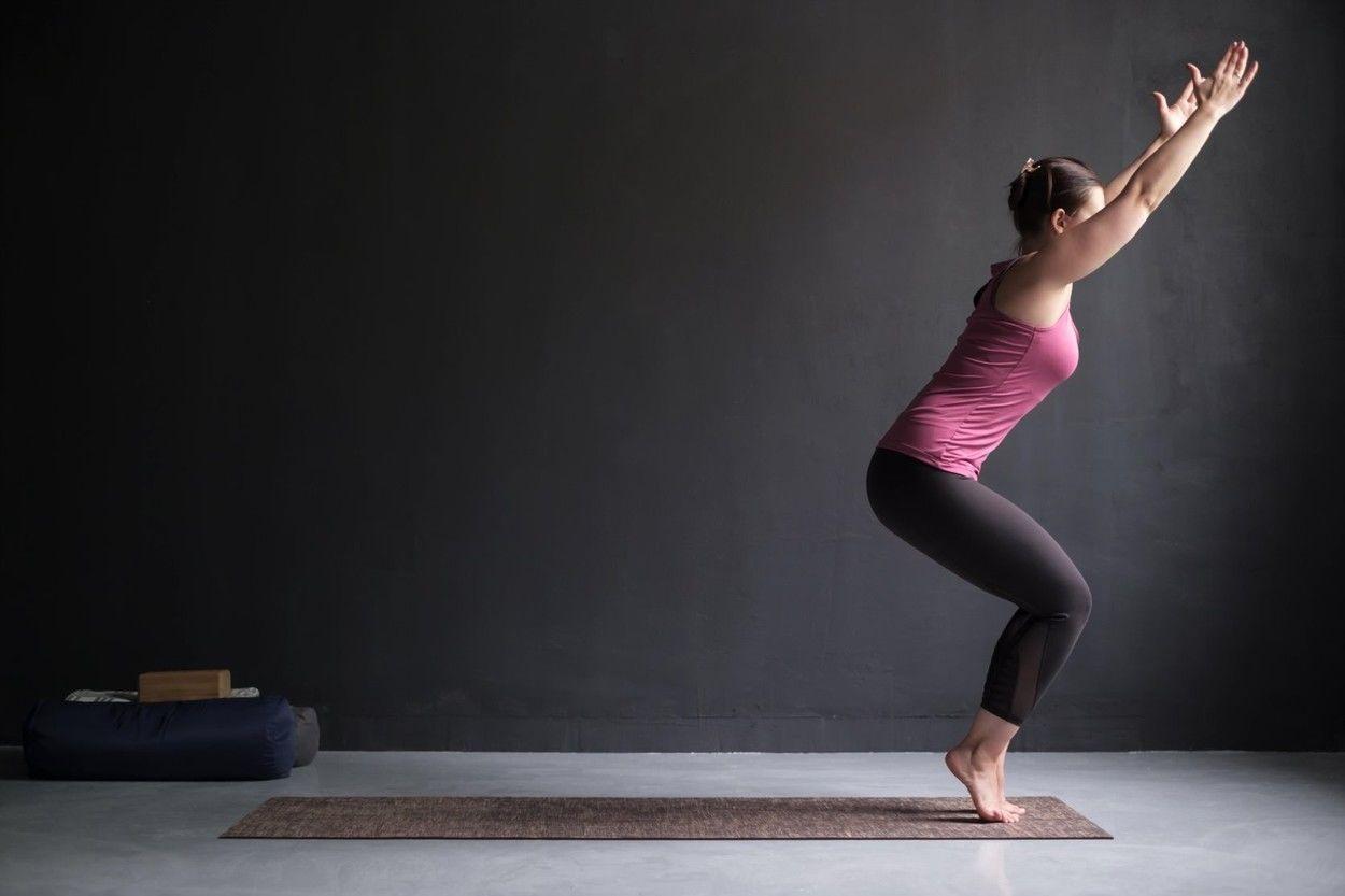 Jógával a visszér ellen: 5 ászana, ami enyhíti a tüneteket